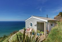Inspiring Beach cabins and shacks / Some wonderful, quirky, small and beautifully positioned beach and cliff top cabins