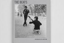 The Beats - Larry Fink / THE BEATS (European Edition) Photographs by Larry Fink Texts: Gerald Stern , Robert Cordier and Larry Fink. 2014 Dimensions of the book: 24.5 x 30.5 cm 96 pages - three-colour printing Hardcover package Published in English