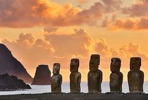 Easter Island / An island in the middle of nowhere which is full of mysterious statues !