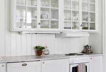 Glass-door Upper Cabinets