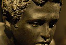GÖRÖG / kr.e.....kr.u.   szobrok, használati tárgyak, épületek,