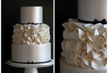 Wedding cakes / by Chloé Trumble