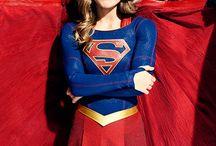 Flash arrow e supergirl