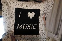MUSIC / Zenei témájú textil használati tárgyakat készítek, ezeket teszem közzé, illetve zenei témákat pinnelek. / by Agnes Budai
