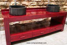 mueble baño / mueble baño en madera de teca decapado en rojo y lavabos de terrazo mármol de color pizarra. Diseño, producción y fabricación exclusiva y ecológica por www.comprarenbali.com