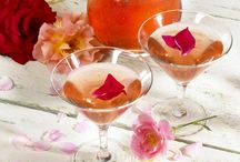 Sweetheart Cocktails for Valentine's Day / Lovely libations to share with your sweetheart on Valentine's Day - Or - to adorn your anti-Valentine party.