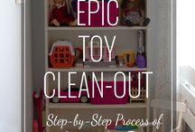 De cluttering toys