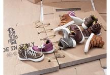 Rondinella / Rondinella behandeld elke schoen met veel aandacht, gebruikt het beste leer en zorgt dat alle schoenen afgewerkt zijn tot in het kleinste detail. Bestel ze nu online!