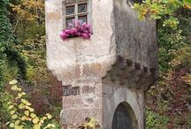 Castles & Chateaus / by Andrea Renner