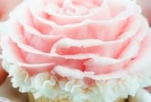 Breasts and Burlesque Party ideas / I love pink treats and nibbles