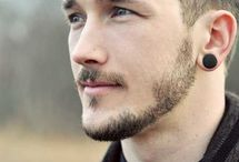 Men's Hairstyles / A well shaved face deserves a well cut hair style.  Here are men's haircuts to inspire you.
