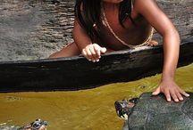 Indigenas.