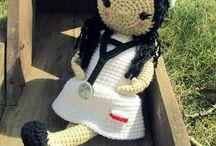 Crochet Dolls / by Jaffee Leung