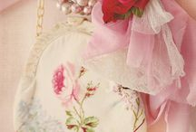 Feminissima / Sophisticated froufrou, floral tones to create  a romantic feminine ambiance! Enjoy pining♡