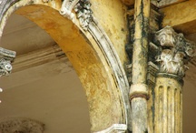 ... I'm 'MOULDING' A 'COLUMN' On 'ARCHITECTURAL FEATURES' .....