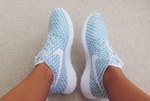 takkies (sneakers)