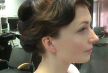 Hiuksia, kynsiä ja muita hömpötyksiä / Työtä