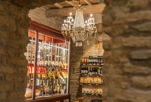 I nostri prodotti / Casa Spadoni ospita uno spaccio aziendale in cui vende, oltre alle farine del Molino Spadoni, quanto prodotto dalle proprie aziende per una qualità d'eccellenza.