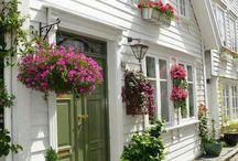House Beautiful / by Melanie Otani