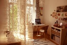 Pretty Clutter & Pretty Bedrooms / by Jessica Wilson