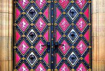 doors/gate