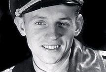 aviazione e soldati  II guerra mondiale