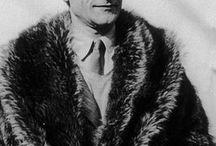 Dada / Dada of het dadaïsme was een culturele beweging die begon tijdens de Eerste Wereldoorlog in Zürich in het neutrale Zwitserland. De beweging bestond slechts kort en vertoonde een piek tussen 1916 en 1920. De kunstenaars in dada hielden zich vooral bezig met beeldende kunst, poëzie, theater en grafisch ontwerp. De beweging is verwant aan het nihilisme: het opzettelijk irrationeel zijn en afwijzen van de algemeen geaccepteerde standaarden in de kunst.