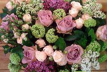 Доставка цветов и букетов / Свежие цветы и оригинальные букеты с бесплатной* доставкой по Санкт-Петербургу Тел.: 947 40 57