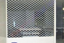 Cửa cuốn Mắc Võng tại anhxuandoor.com / Anh Xuân Door chuyên gia công sản xuất cửa cuốn mắc võng, cửa cuốn mắc inox, cửa cuốn mắc võng sắt sơn tĩnh điện chất lượng, giá thành tốt liên hệ ngay: 0975 680868 www.anhxuandoor.com/cua-cuon/cua-cuon-mac-vong