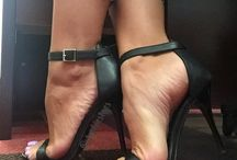 Pretty feet in heels