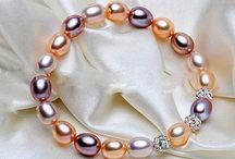 ++Wunderschone Armband +Süßwasser Perlen und Cristal Kugeln Neu 11,4 Gram 21,90 Euro