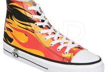 ZIPZ SHOES - jedyny na świecie system zamiany wierzchu buta! / ZIPZ SHOES to pomysł powstały w słonecznej Kalifornii, gdzie została opatentowana nowa technologia odpięcia i przypięcia innego, nowego wierzchu buta do jednej podeszwy. W ciągu kilku sekund można zmienić buty ZIPZ z wysokich na niskie o różnych kolorach i wzorach. Buty ZIPZ są robione ręcznie, co zapewnia komfort, jakość i niezawodność. Kolorowo, stylowo i z pomysłem! http://1but.pl/qxq-zipz