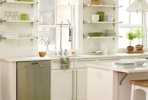 KITCHEN / by Dahnya Giampietro
