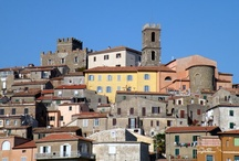Manciano ( 27 km ) / E', nelle vicinanze, la cittadina più grande ed ha un interessante museo: il Museo di Preistoria e Protostoria della Valle del Fiora