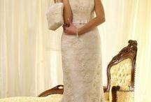 koronkowe suknie ślubne / Te suknie ślubne wykonujemy z nejpiękniejszych haftów, gipiur i koronek. Zapraszamy do zapoznania się z różnorodnym bogactwem tych szlachetnych materii w naszej pracownii...