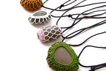 accesories macrame with stone