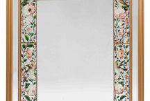 Mirror's frame