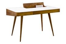 skrivbord sängbord