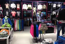 Coolcat  / 100%FLOORS heeft in samenwerking met Coolcat een groot aantal winkels voorzien van een 100%gietvloer. Deze vloer past uitstekend bij de uitstraling van de winkel.