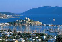 O destinație de top din Turcia - Bodrum / Arhitectură, plaje cu nisip auriu, străzi împânzite de magazine - într-un cuvânt stațiunea turistică Bodrum http://sejururi.trip-tour.ro/destinatie-bodrum-194