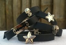 "Pulseras ""Rock on"" negras"