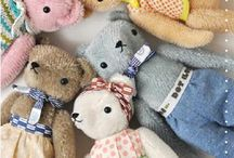 CLASSIC CHILDRENS TOYS / Traditional children's toys and teddy's