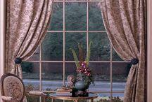 tenda con finestre ad arco