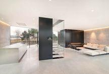 concrete / interior