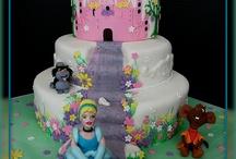 cakes / by Deborah Papineau