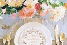 招待状&カード l Invitations & Cards / お洒落な招待状、席札、メニューなど素敵なウエディングに欠かせないカードを特集します。Assorted wedding invitations and cards.