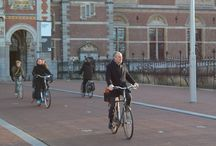 Amsterdam: sociable cycling, street ballet… and parking problems / At the beginning of March 2015, cycle BOOM researcher Ben Spencer had the opportunity to return to the Netherlands for the first time in over 20 years. He accompanied an Urban Design field trip organised by the Department of Planning at Oxford Brookes University and had the chance to observe the many people using cycles in Amsterdam - and to take a few snaps of older people on bikes.