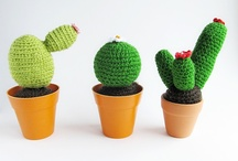 Free Flowers & Plants Crochet Patterns / Make your own Flower, Plant or Mushroom with one of these free patterns by a variety of designers! Just click on the picture to get to the pattern :) / by Sharon Ojala