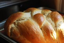 Food - Yeast Breads / by Kimberly Thorvaldson