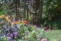 Beautiful Country Gardens / Gorgeous places to rest and reflect in.